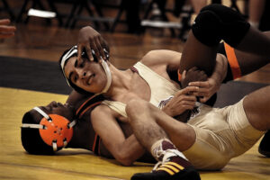 Saura wrestlers place third